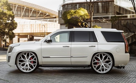 "Cadillac Escalade on 30"" Lexani Wheels"