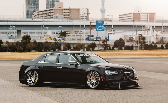 Chrysler 300c on LTS-06