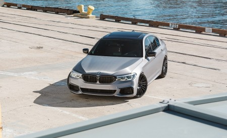 BMW M550i on Virage