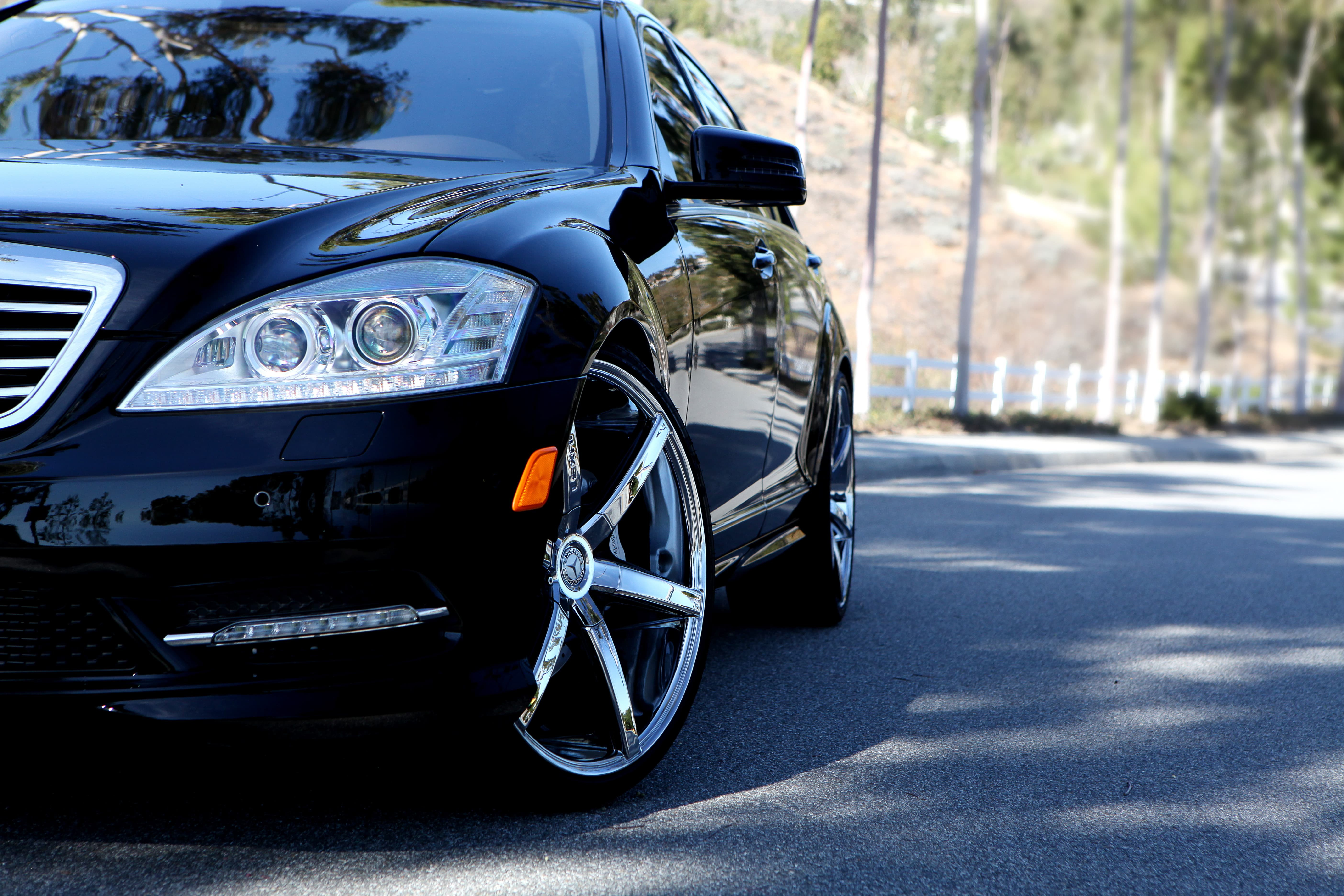 Black 2012 Mercedes S550 with 22 Chrome R-SIX.