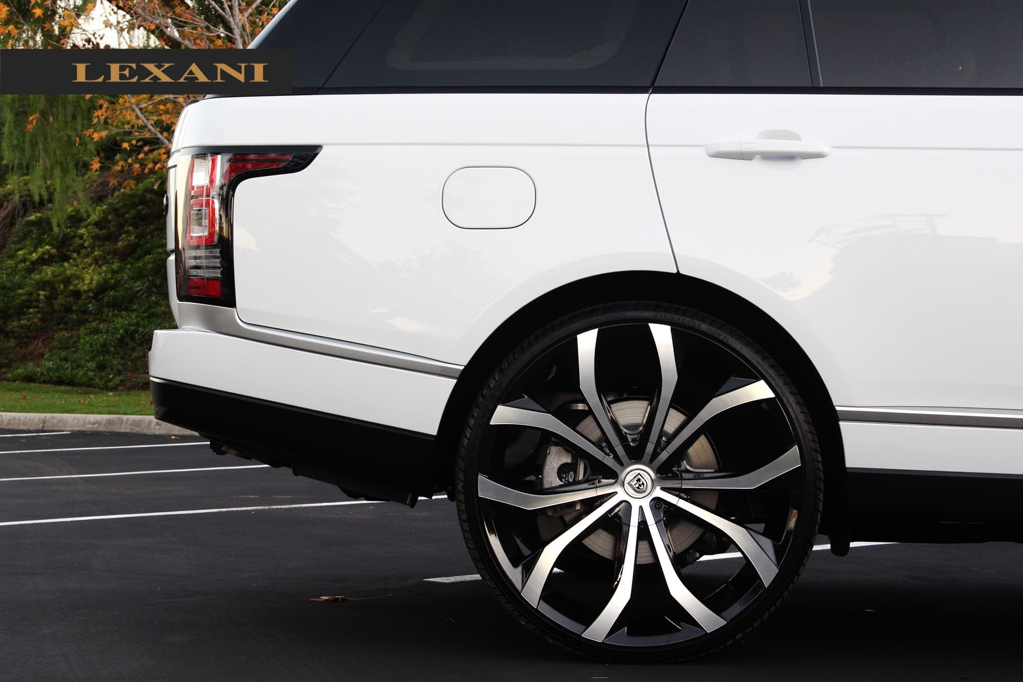 2013 white Rover with 26 machine and black Lust wheels.