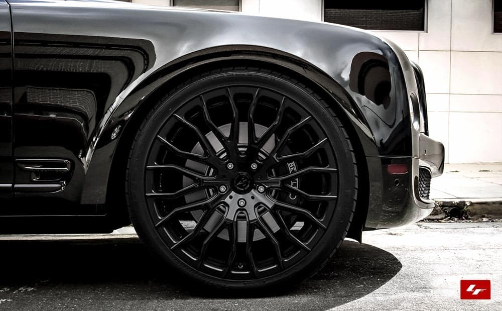 Bentley Mulsanne with blacked out grille and black LZ-104 wheels
