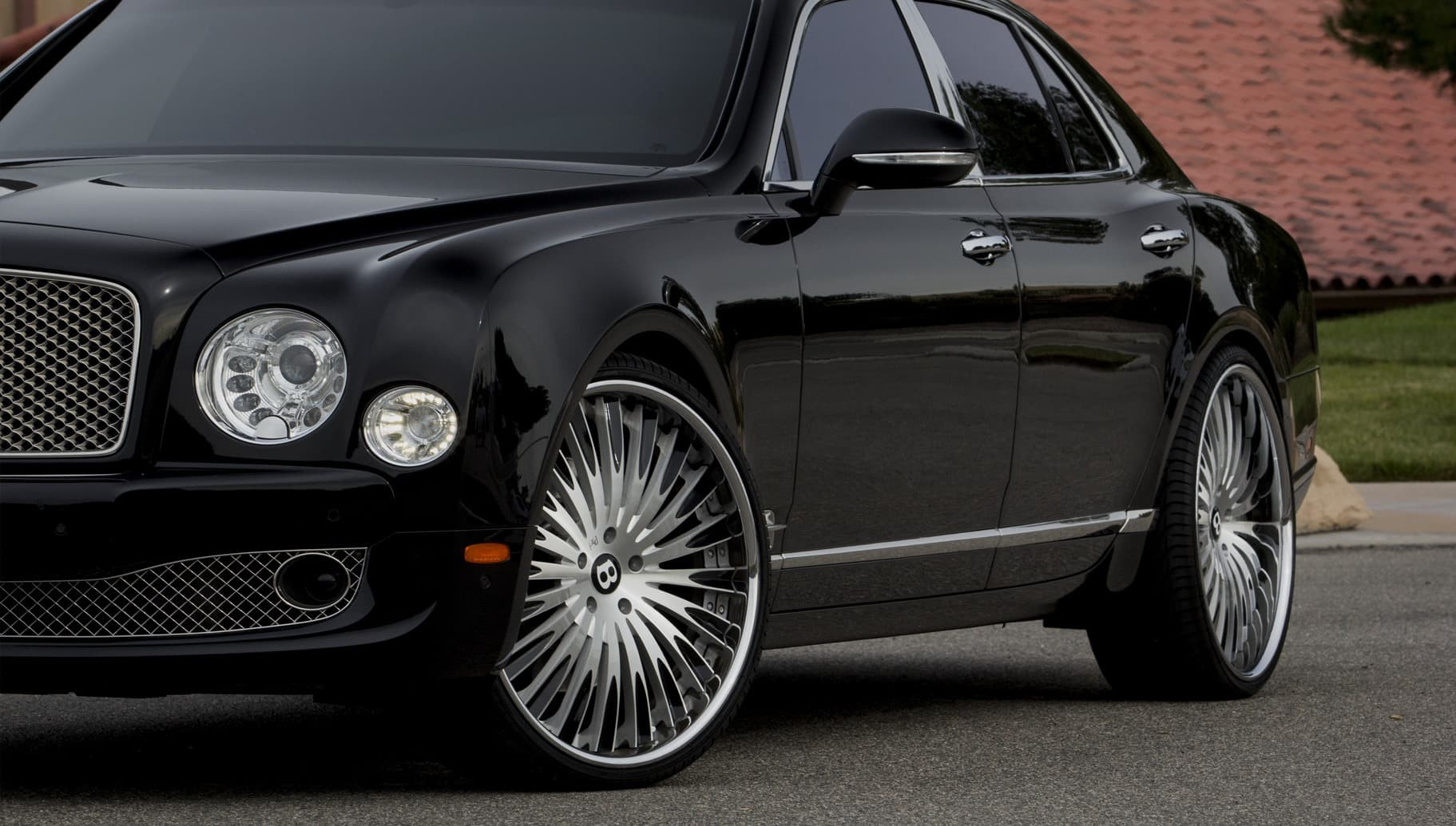 Custom LF-734 on the Bentley Mulsanne.