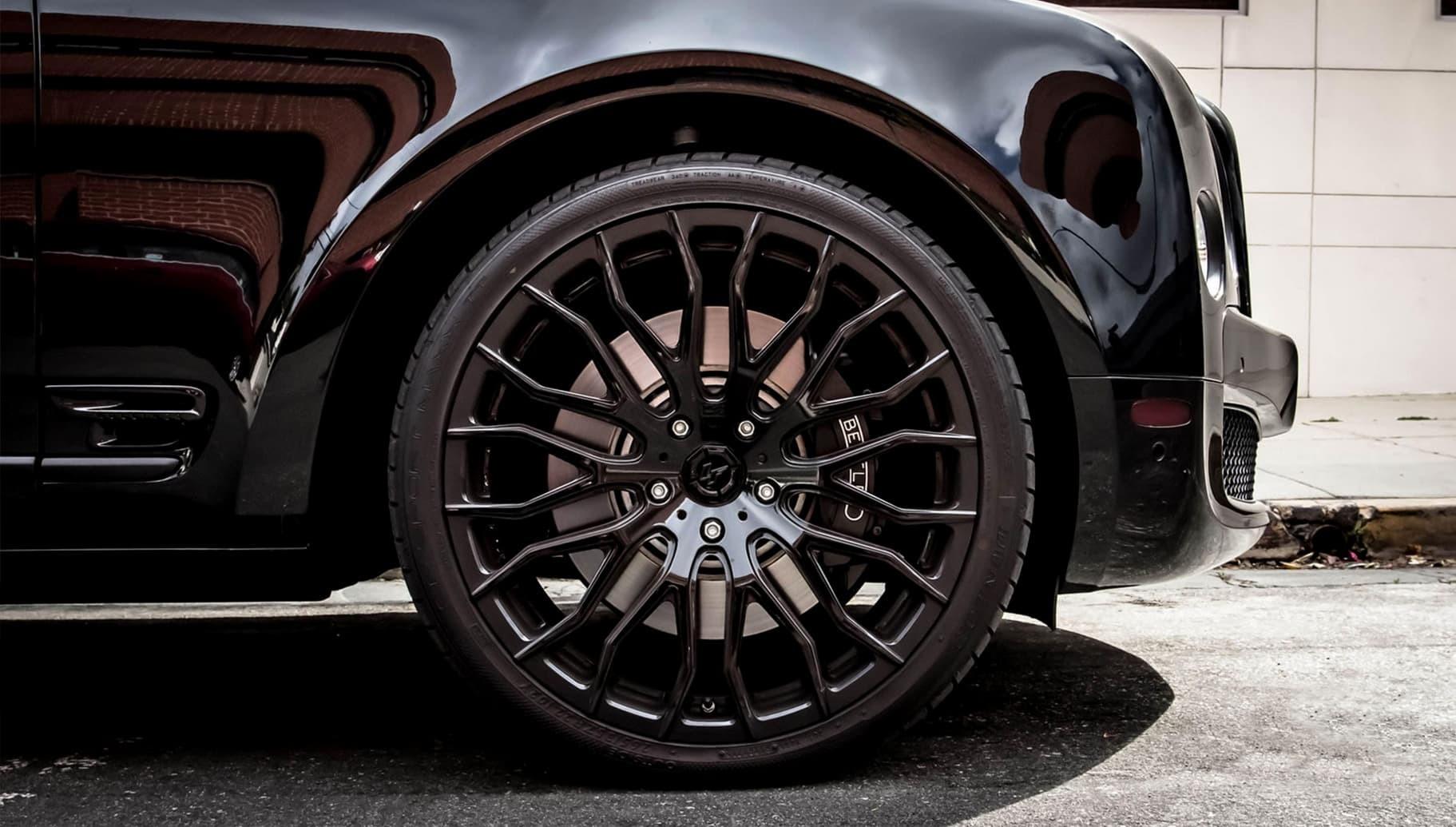 All black LZ-104 on the 2014 Bentley Mulsanne.
