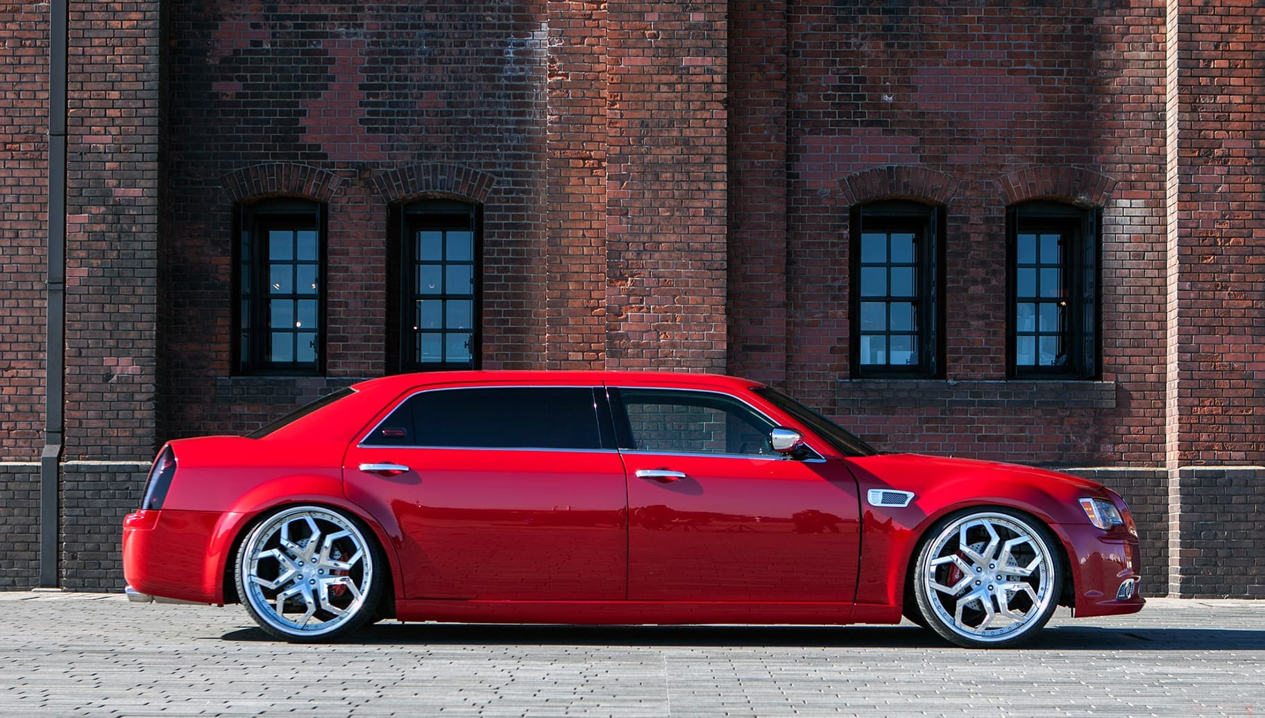 Custom LF-110 on the Chrysler 300C.