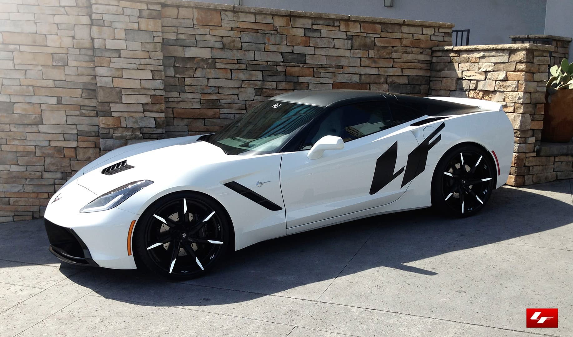 Custom LZ-109 on the 2014 Corvette Stingray.