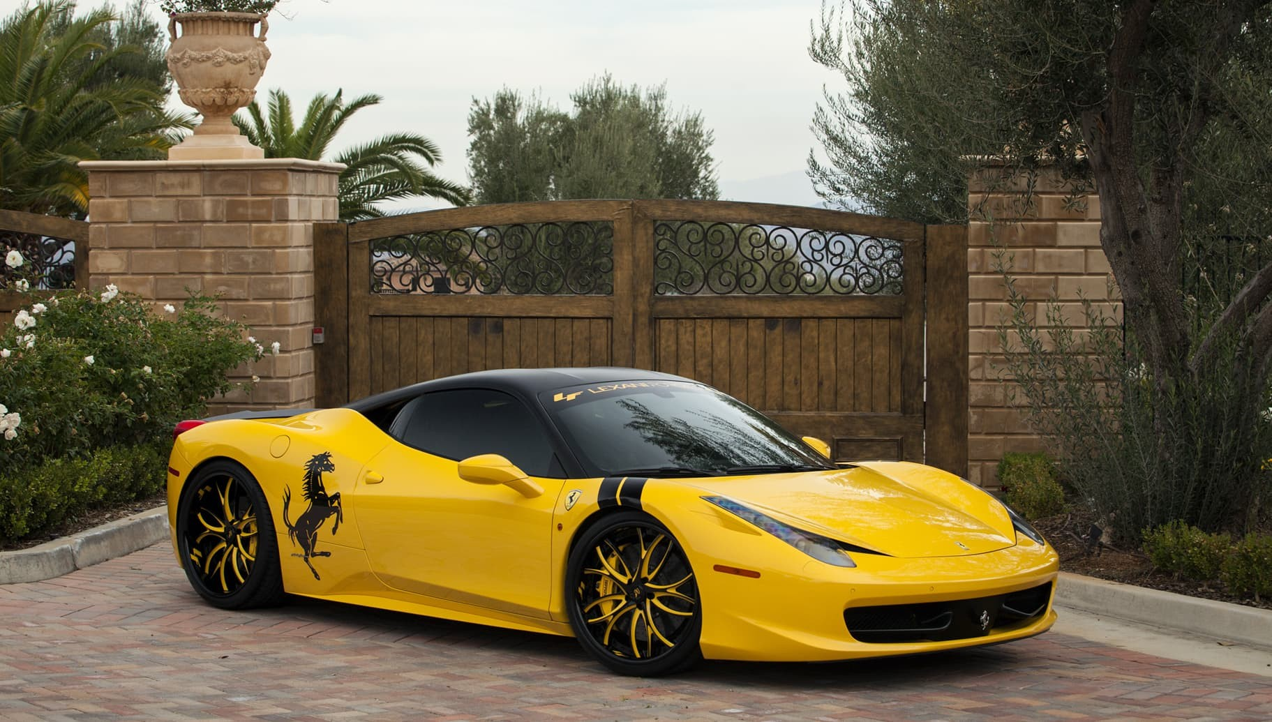 Custom LF-113 on the Ferrari 458.