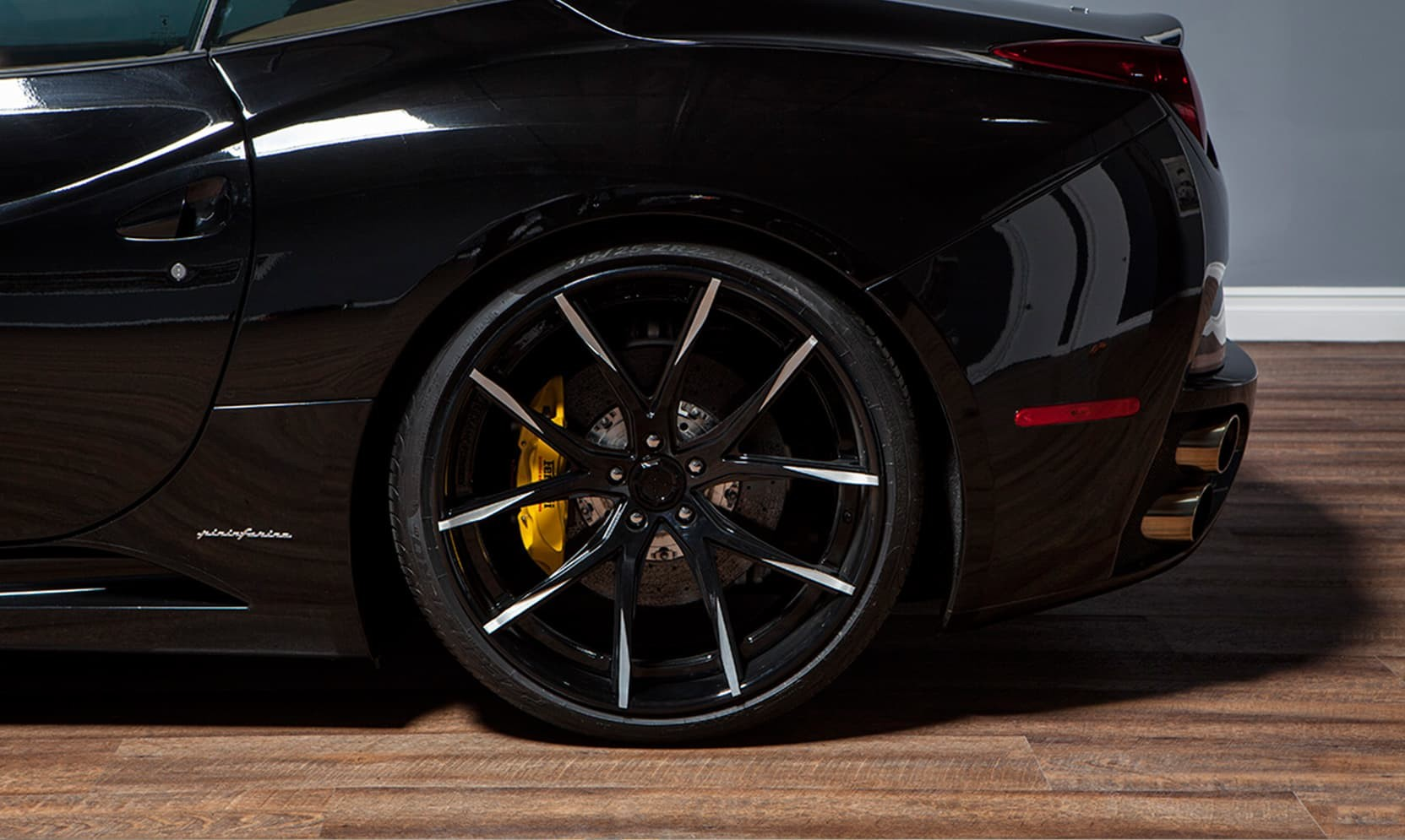Custom LZ-102 on the Ferrari California.
