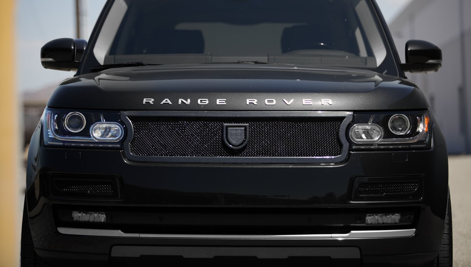 Custom Lf-707 on the Range Rover.