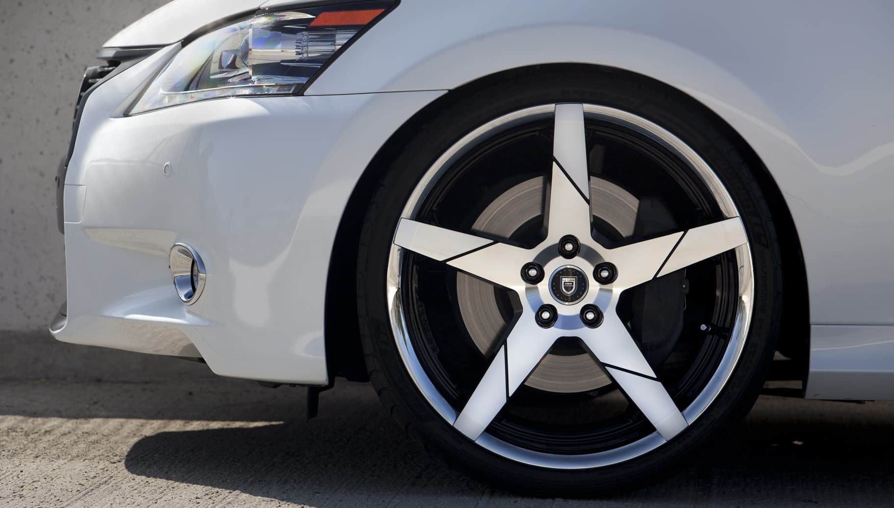 Invictus-Z on the Lexus GS350.
