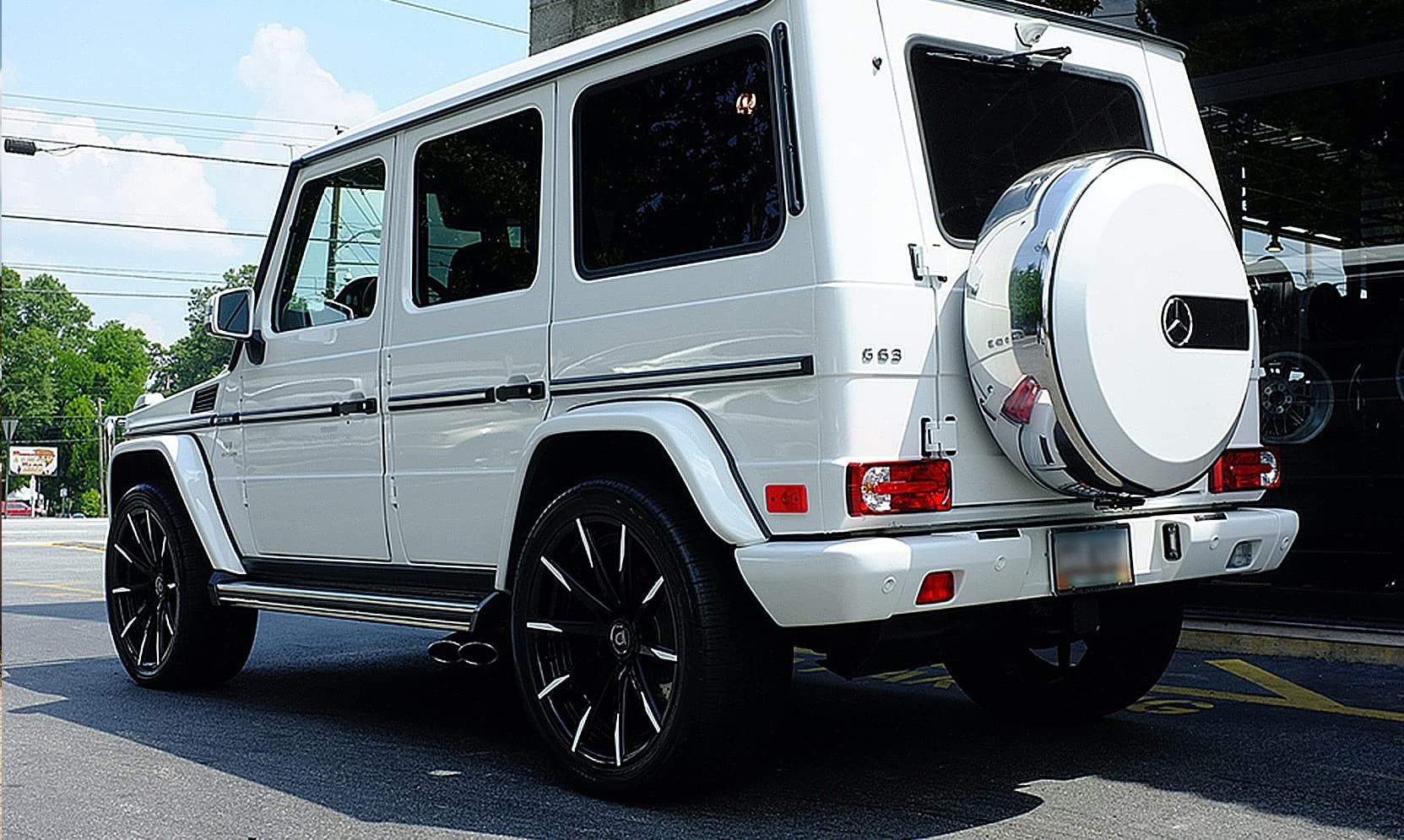 Custom CSS-15 on the Mercedes-Benz G63.