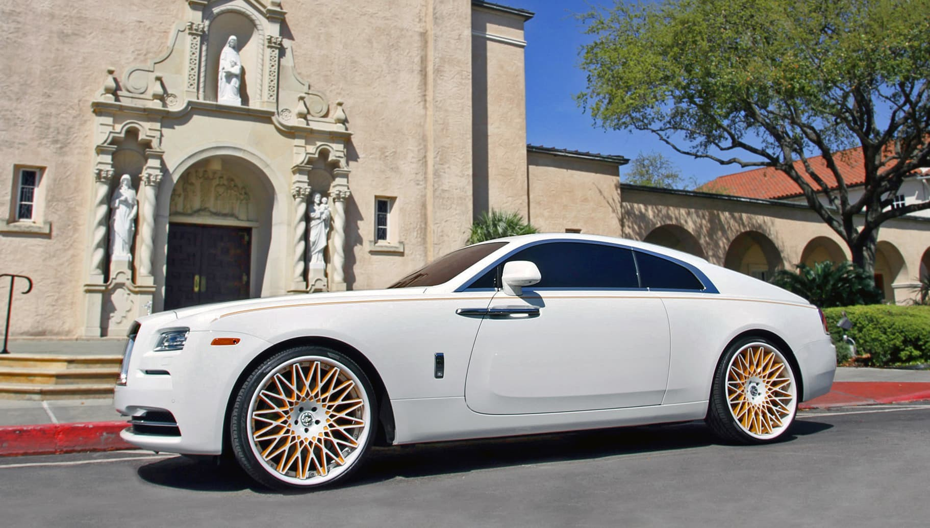 2014 Rolls Royce with custom LC-Monza.
