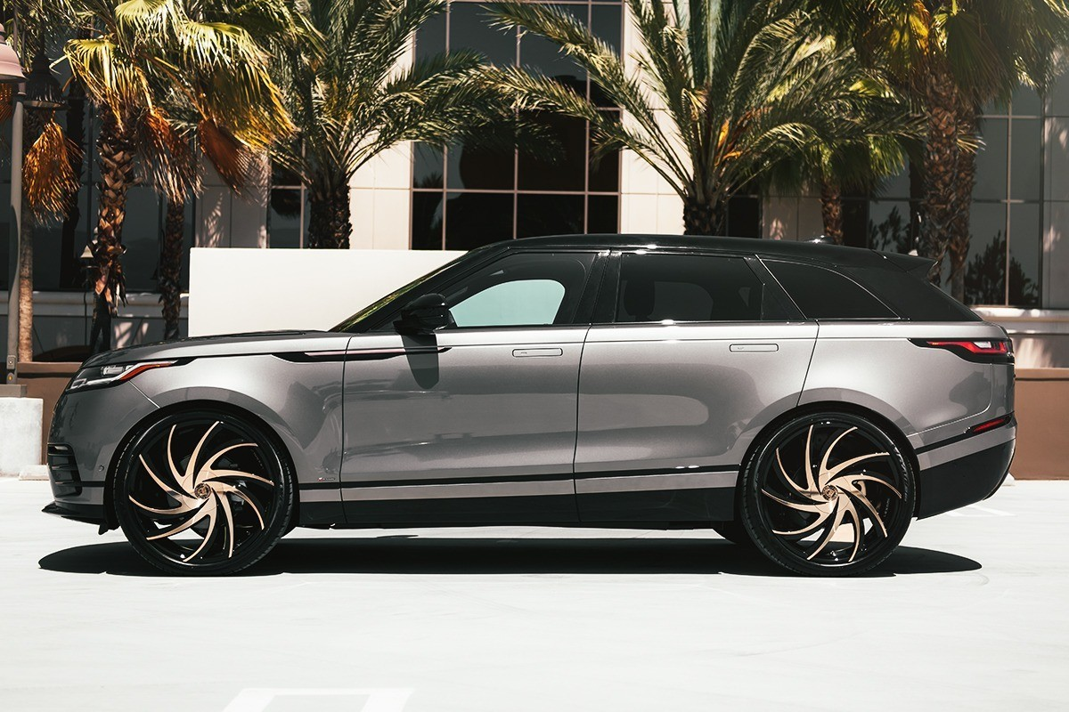 Range Rover Velar on Twister