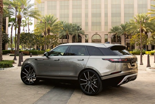 Range Rover Velar on Gravity