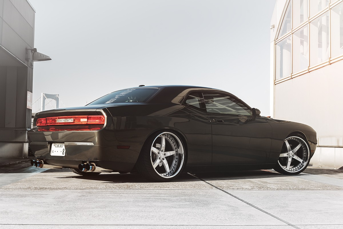 Dodge Challenger on LF-Indy