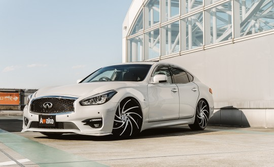 Infiniti Q70 on Twister - MB Finish