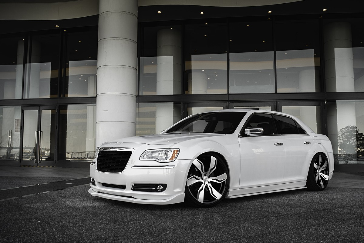 Chrysler 300C on Zagato - MB Finish