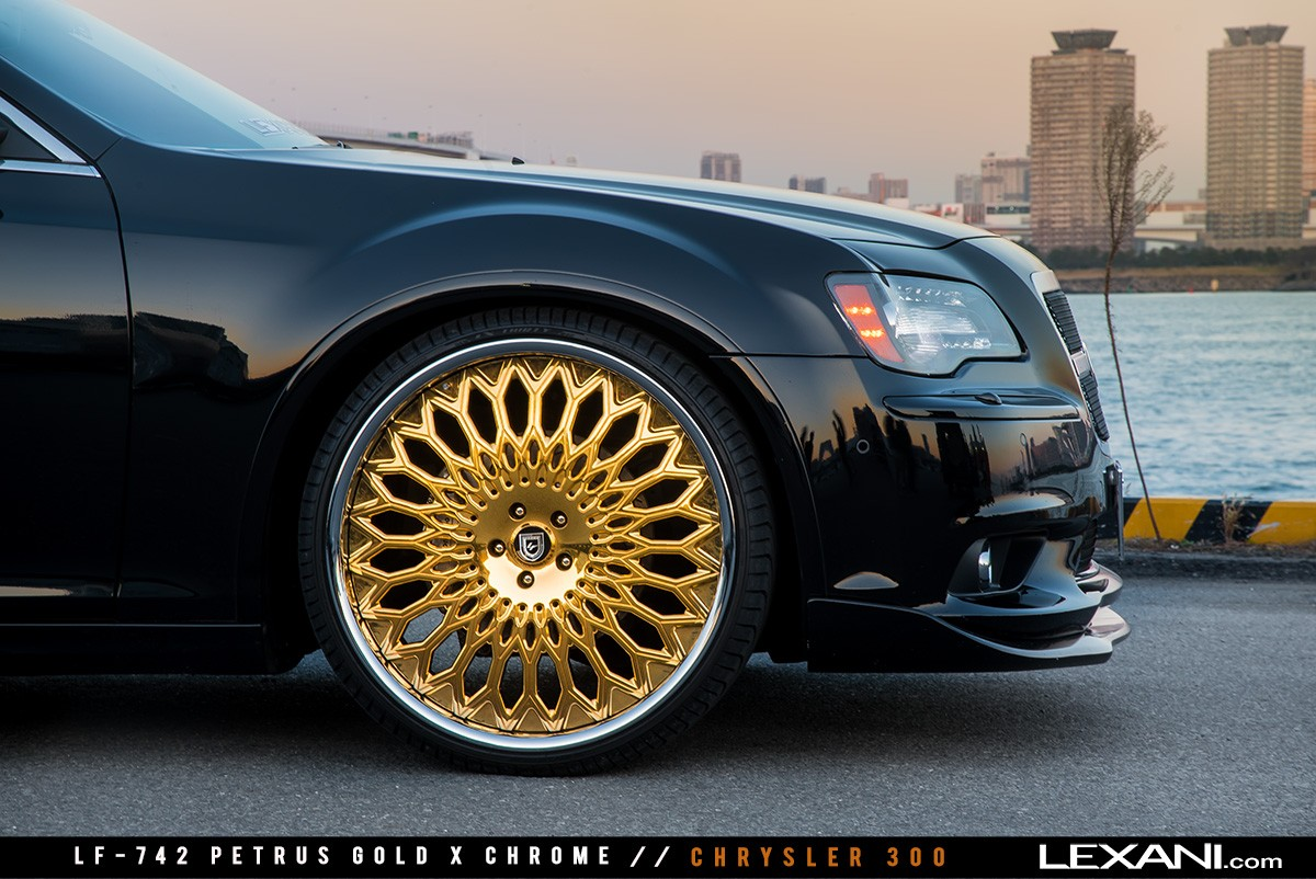 Chrysler 300 on LF-742