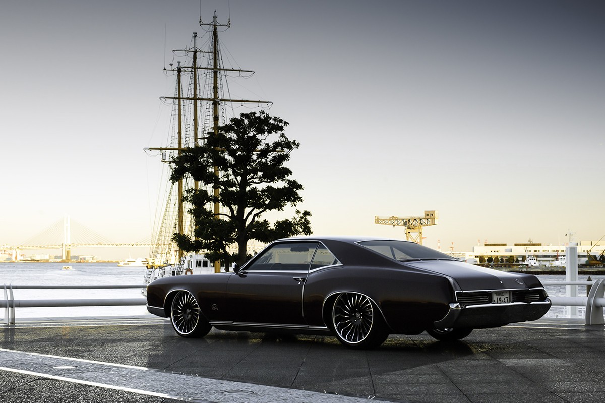 Buick Riviera on LF-712