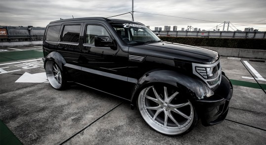 Dodge Nitro with brushed LF-102 wheels.