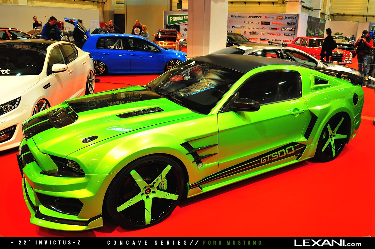 Ford Mustang on 22