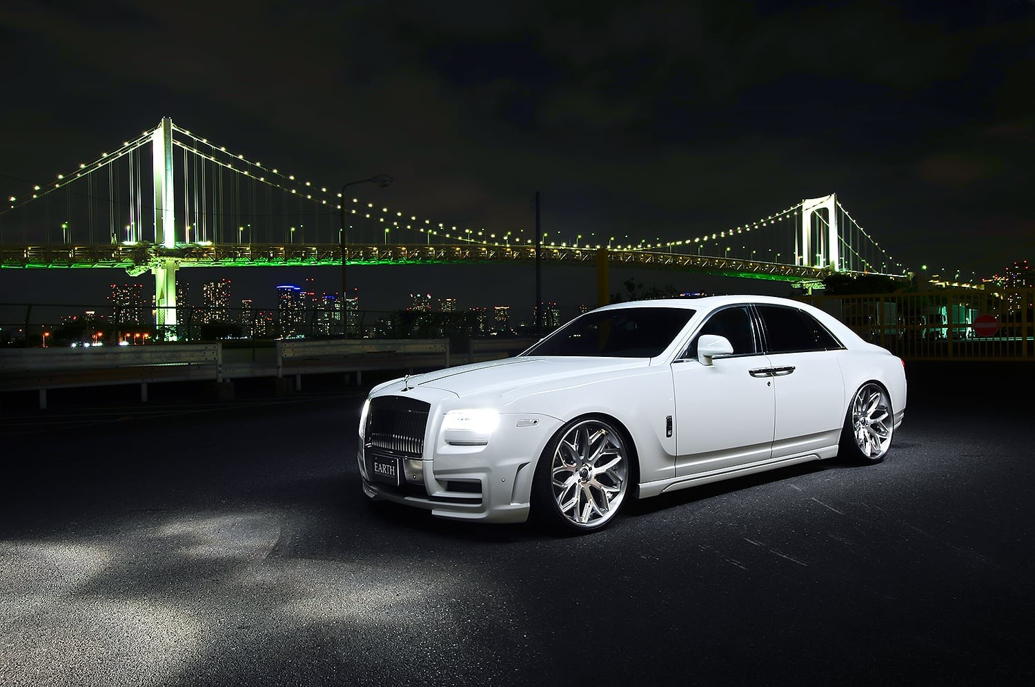 White Rolls Royce Ghost on LC-750 Wheels
