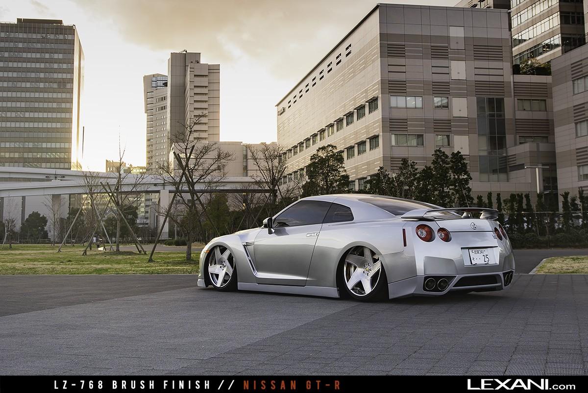 Nissan GTR on LF-768 Dawn