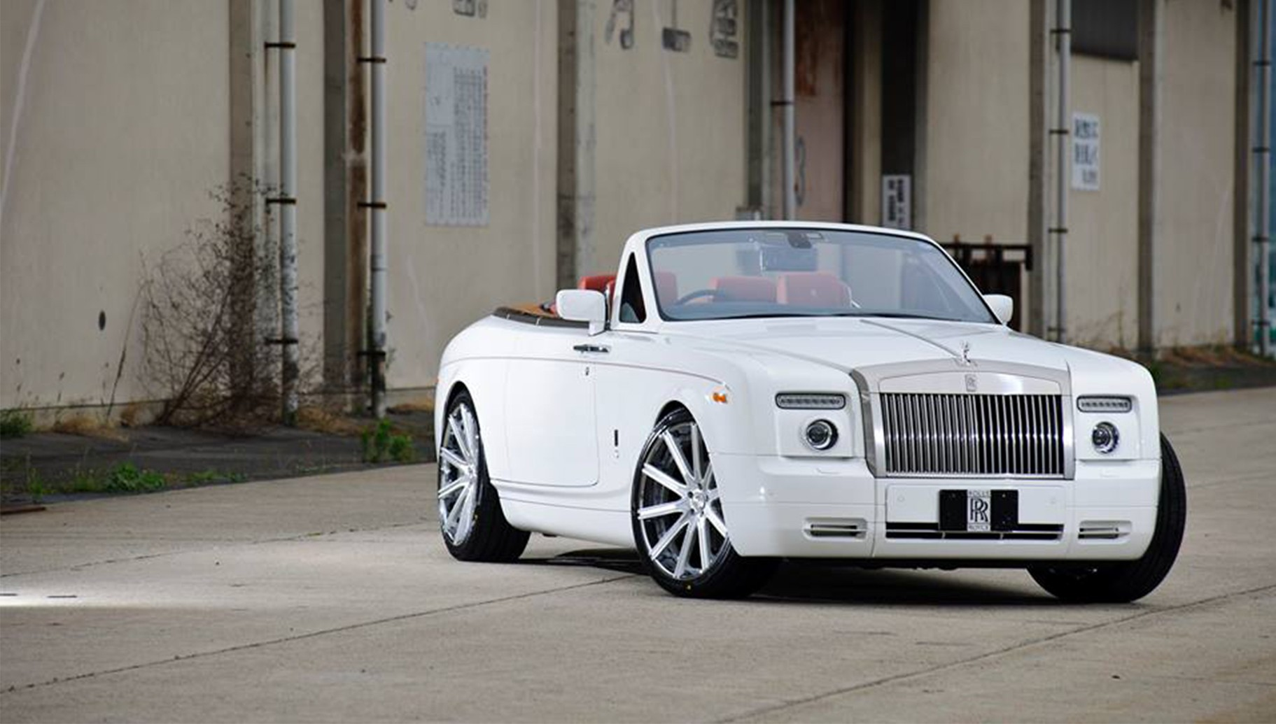 Brushed with Stainless Steel Chrome Lip LZ-109, on the Rolls Royce Phantom.