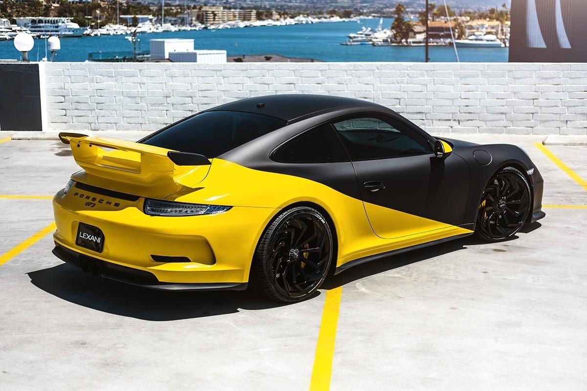 Porsche GT3 on M-772 Centerlock