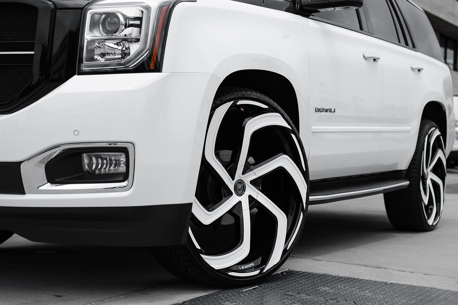 GMC Yukon Denali on 28