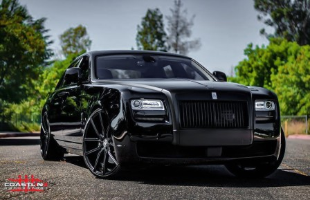 Rolls on black Gravity wheels