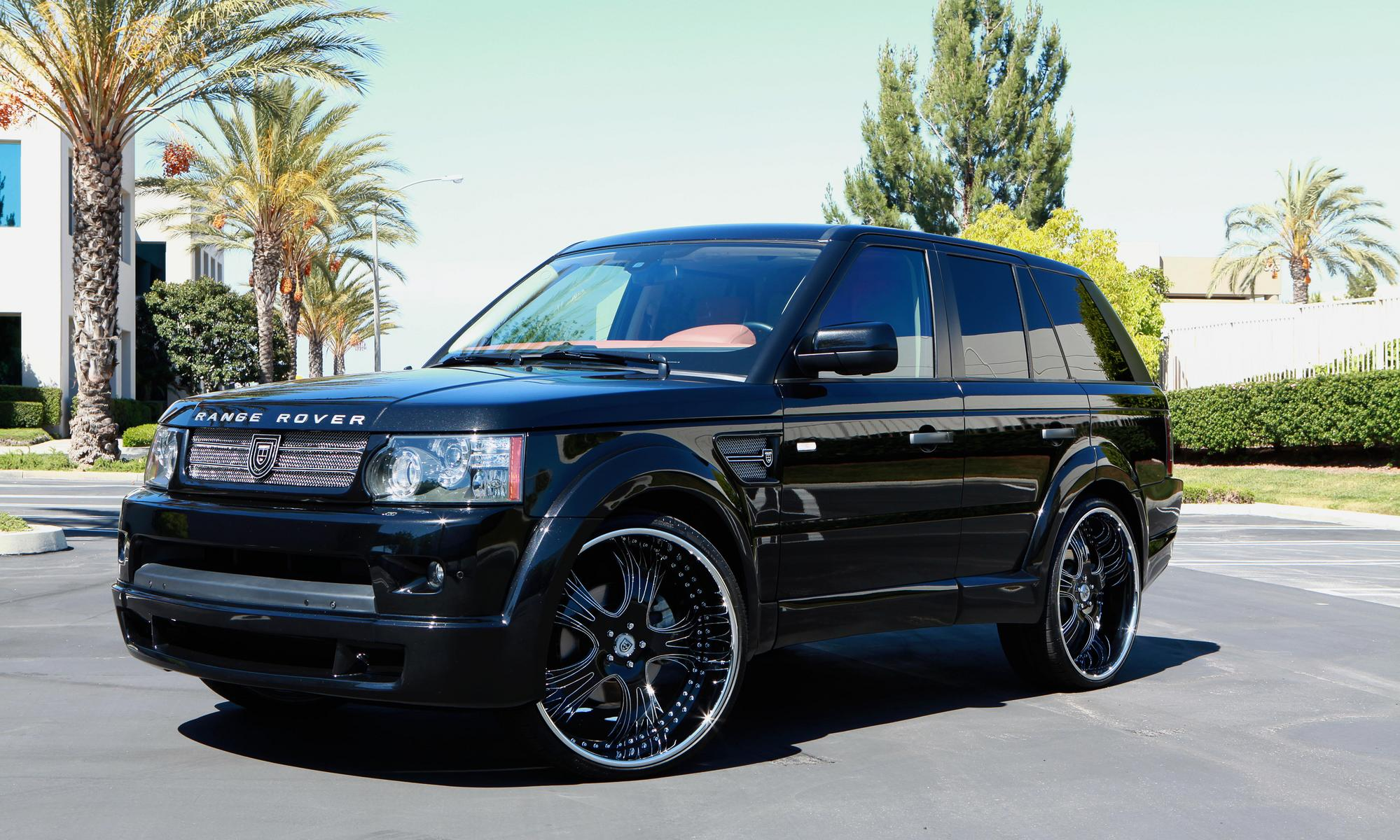 2010 black Range Rover Sport with 24