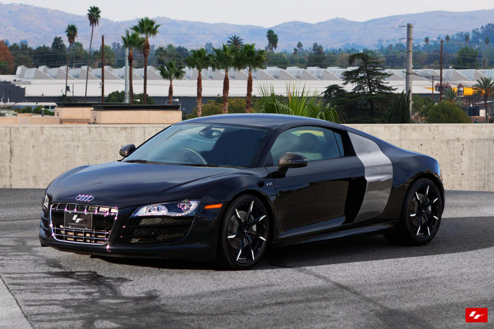 Custom on the 2013 Audi R8.
