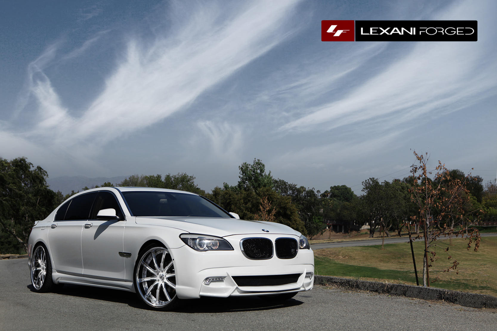 2013 BMW M3 with chrome/white LS-709.