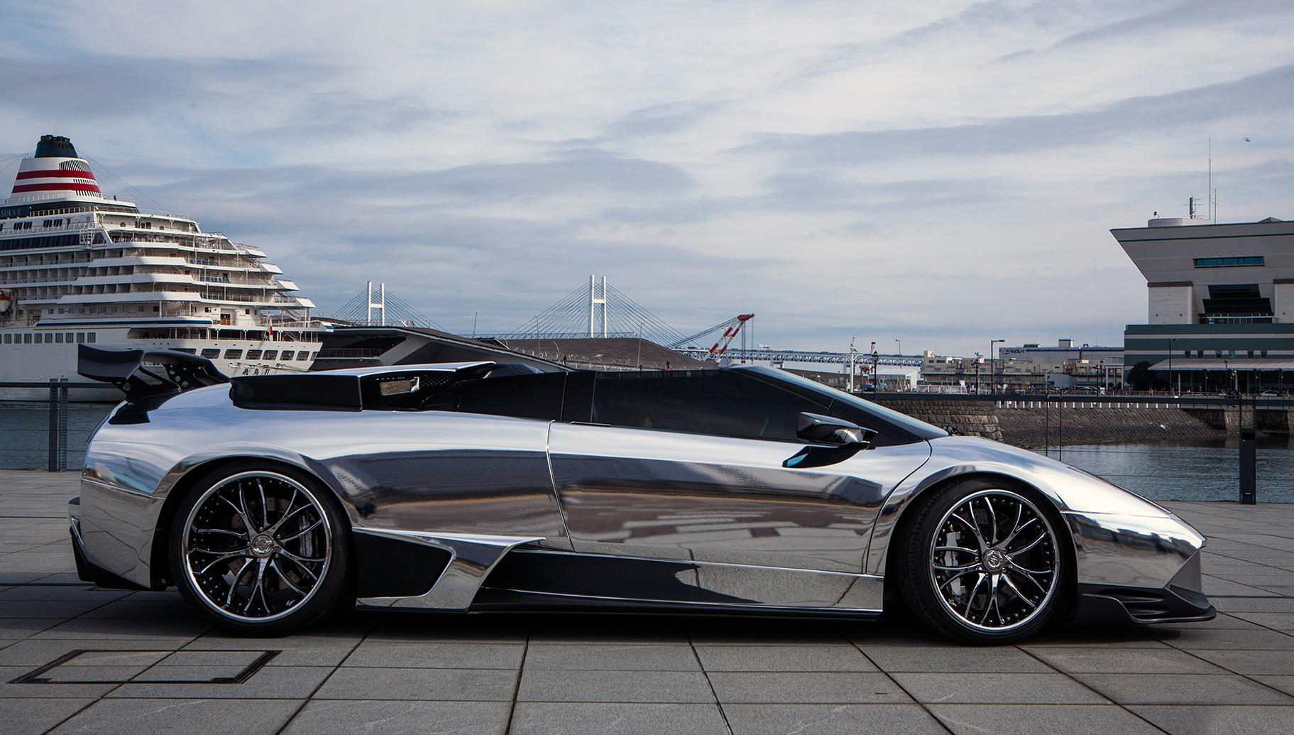 Custom LF-113 on the Lamborghini Murcielago.