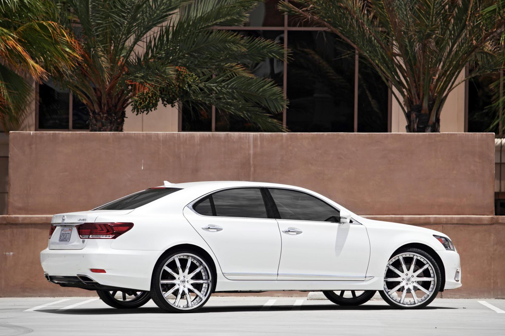 http://lexani.com/media/images/rendered/2013_Lexus_LS%20460_300_v4.jpg