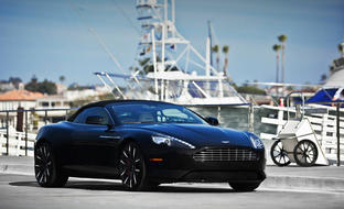 Custom LZ-102 on the 2014 Aston Martin DB9.