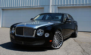Machine and black LZ-722 on the 2014 Bentley Mulsanne.