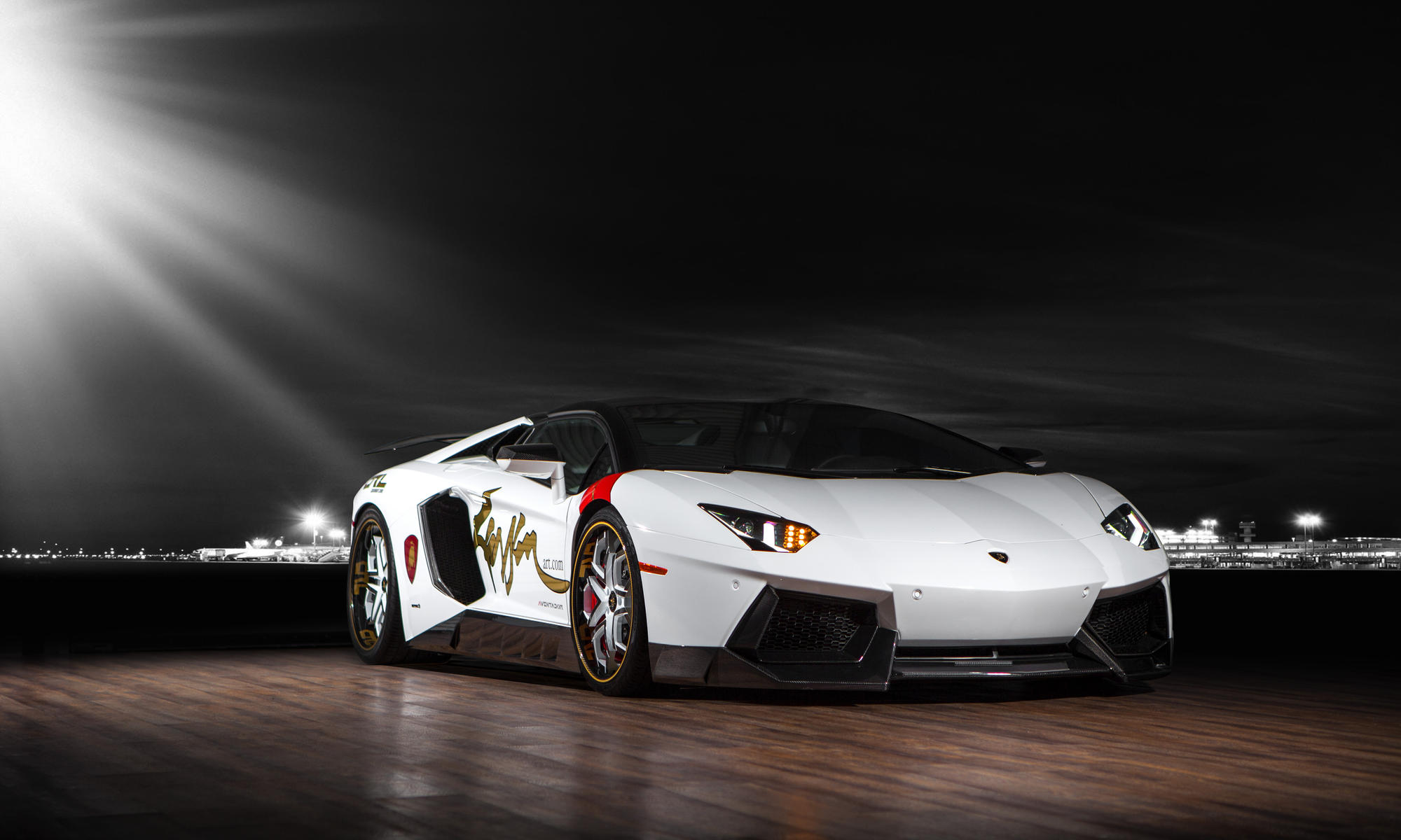 CUSTOM LF-110 ON THE LAMBORGHINI AVENTADOR.