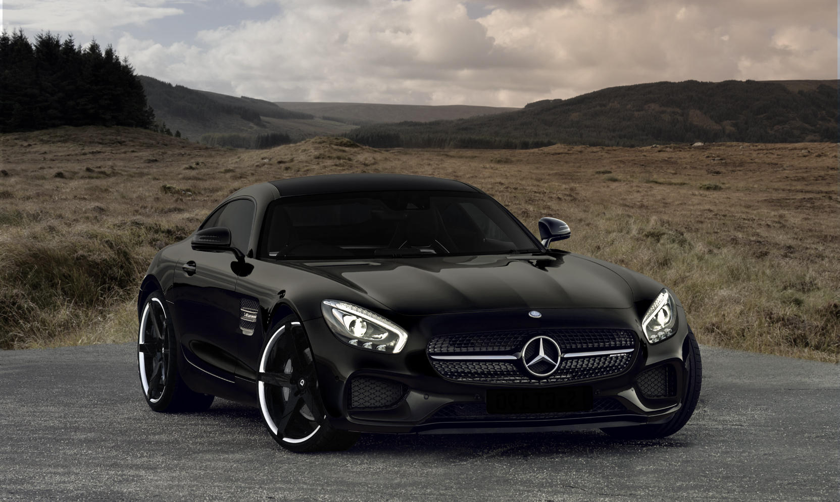 Invictus-Z on the Merecedes-benz GTS.