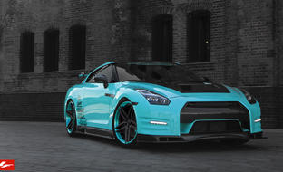 LZ-105 Custom Finish on 2014 Nissan GTR