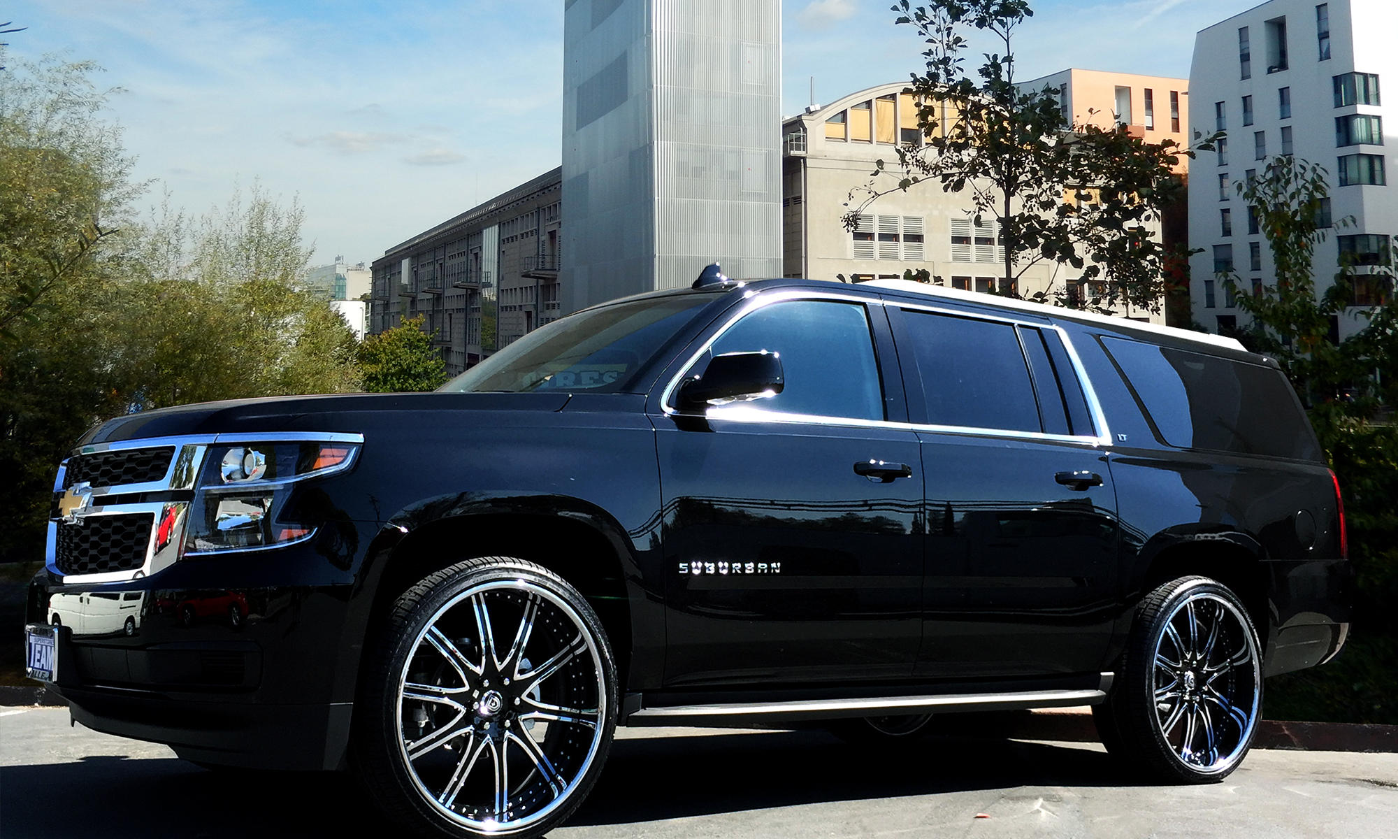 2015 Chevy Suburban on LF-709