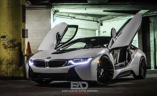 "BMW i8 on 22"" Wraith"