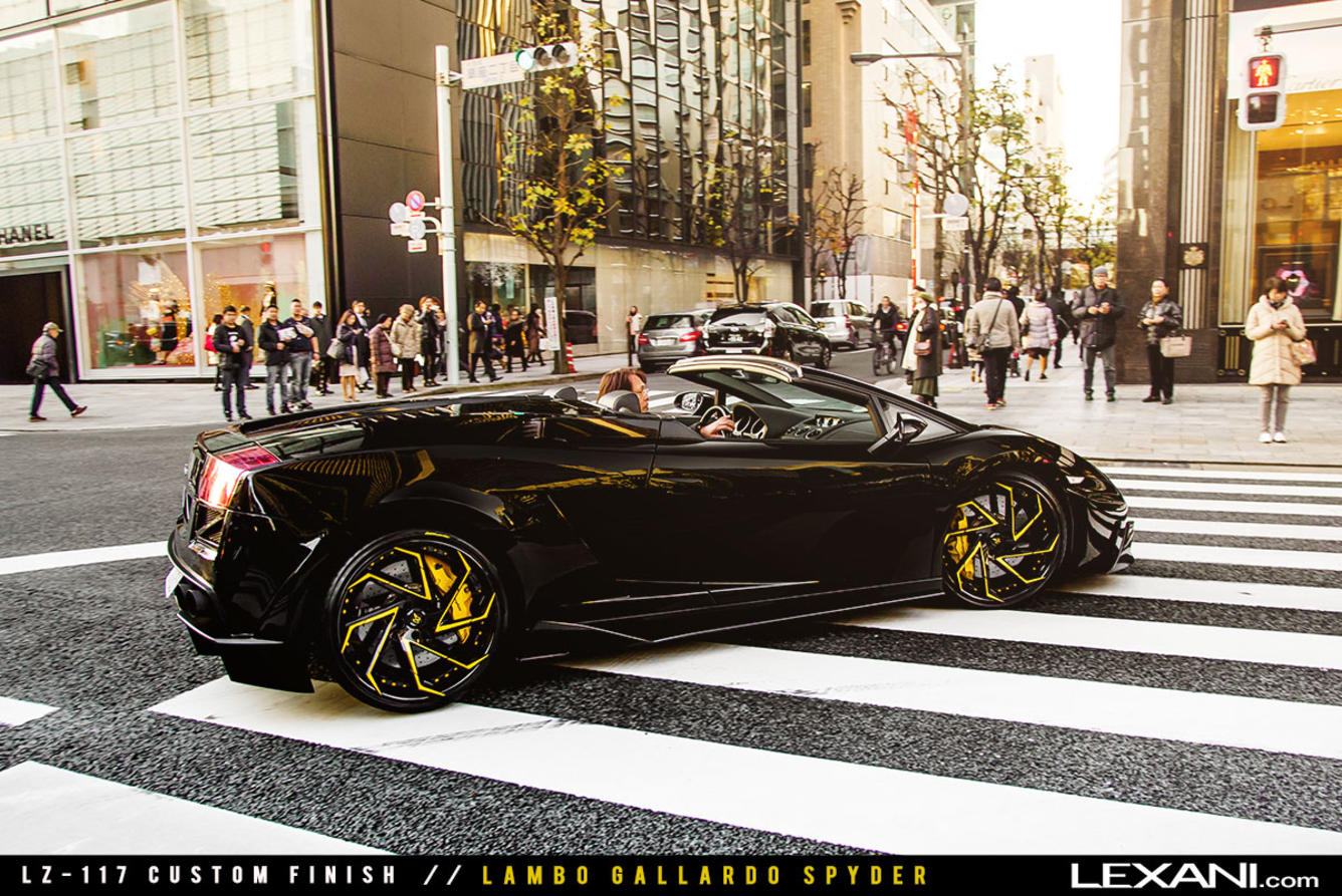 Lamborghini Gallardo Spyder on LZ-117